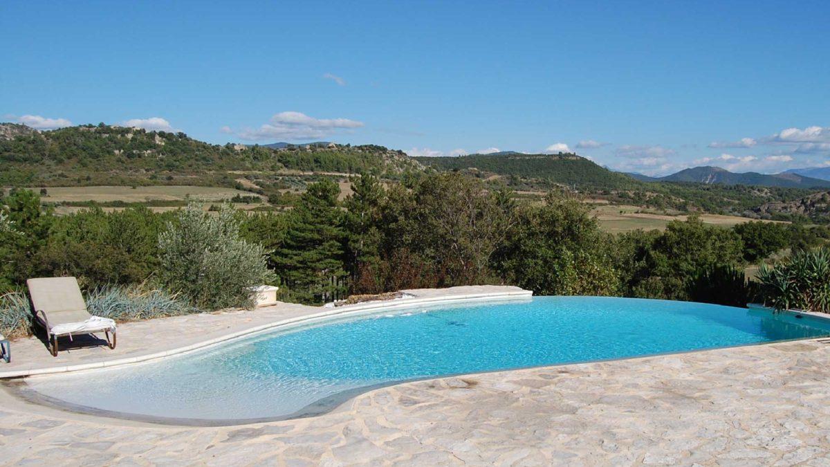 La piscine du Jas de Péguier, réceptions, mariages, séminaires en Provence