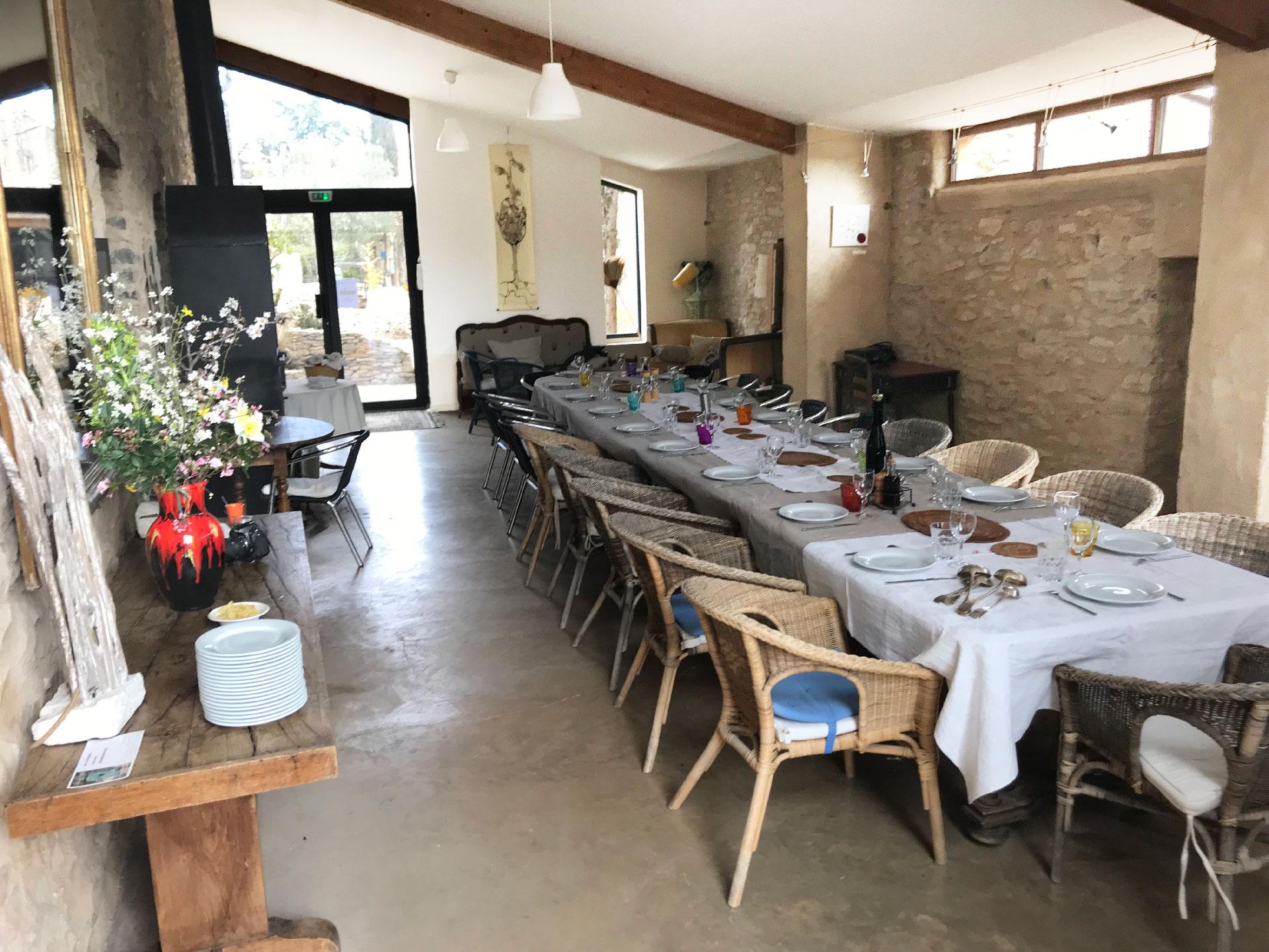 La salle de réception du Jas de Péguier en Provence