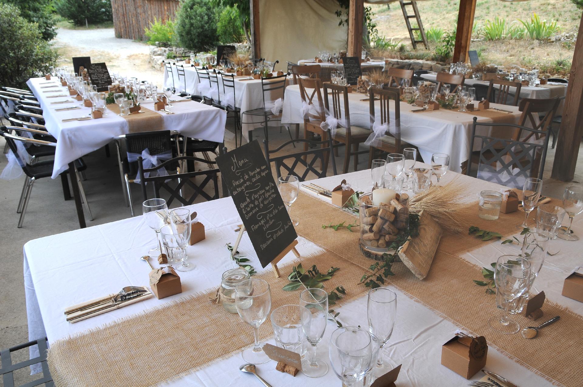 Table de fêtes, reception au Jas de Péguier