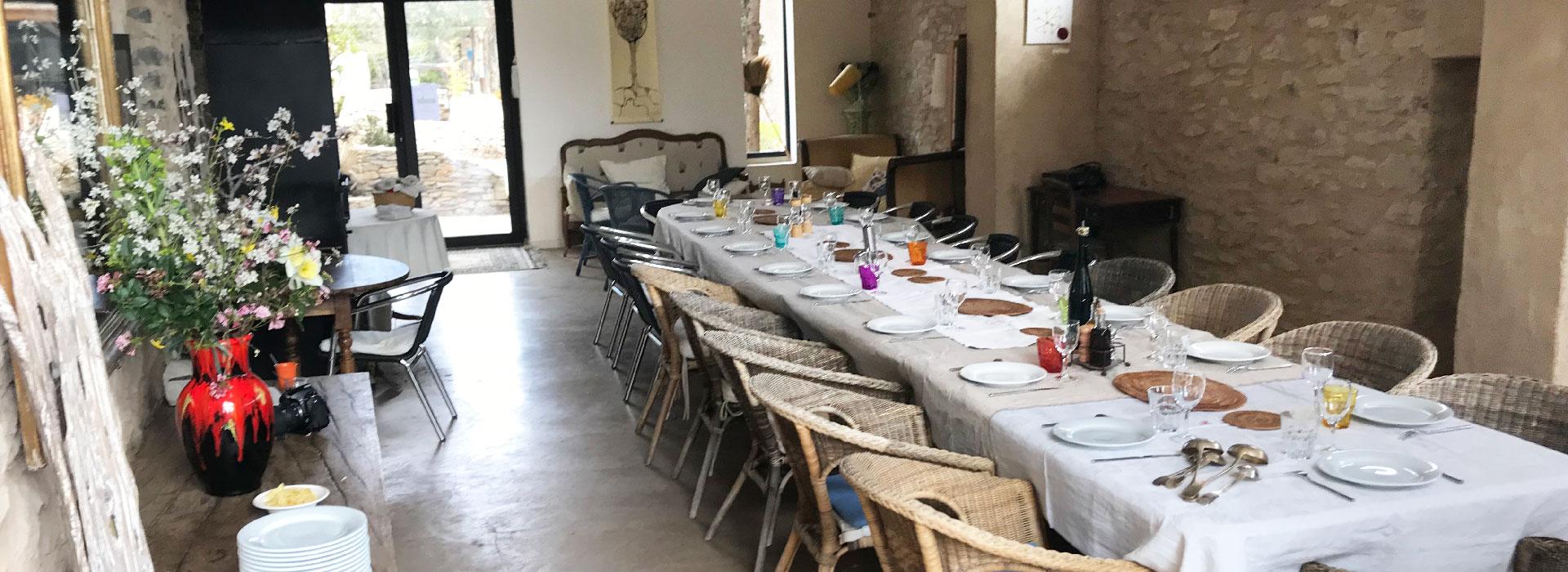 Un table de groupe au Jas de péguier en provence