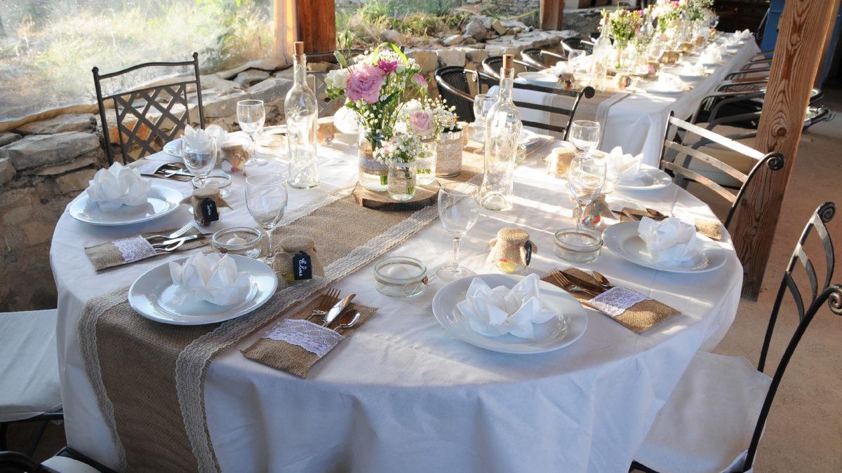 Table de fête au jas de péguier