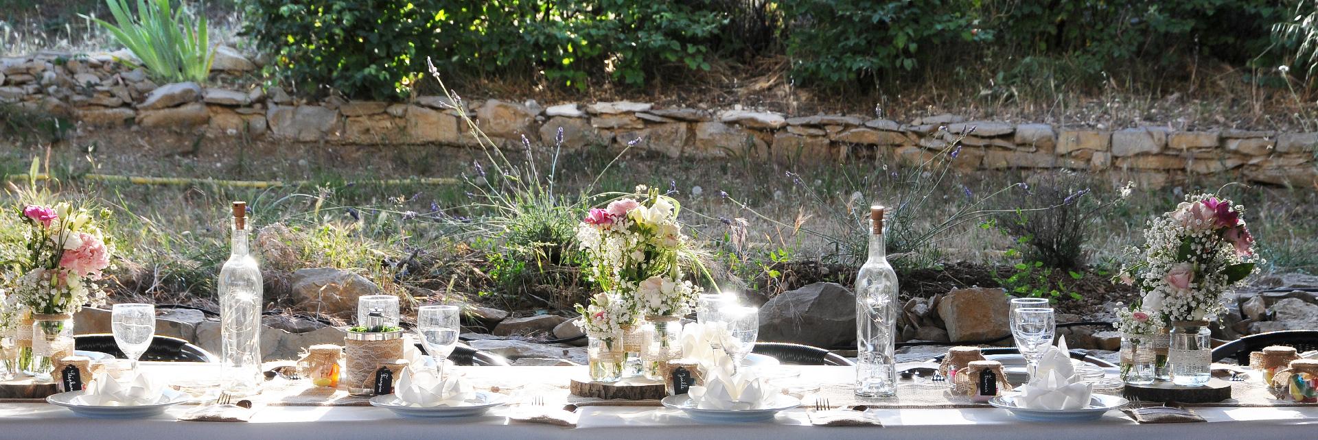 Une table de fête au Jas de Péguier en provence